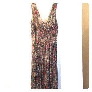 Jane Ashley Maxi dress!! Smocked middle.